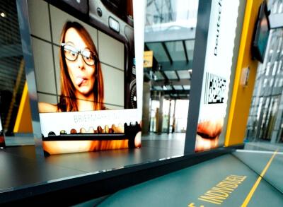 Showroom-von-ixpo-Design-Construction-Messebau-Markenwelten